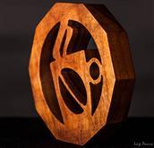 Elegante sottopentola per caffettiera in legno Dimensioni (pianta decagonale) 14cm x 14cm Prezzo l